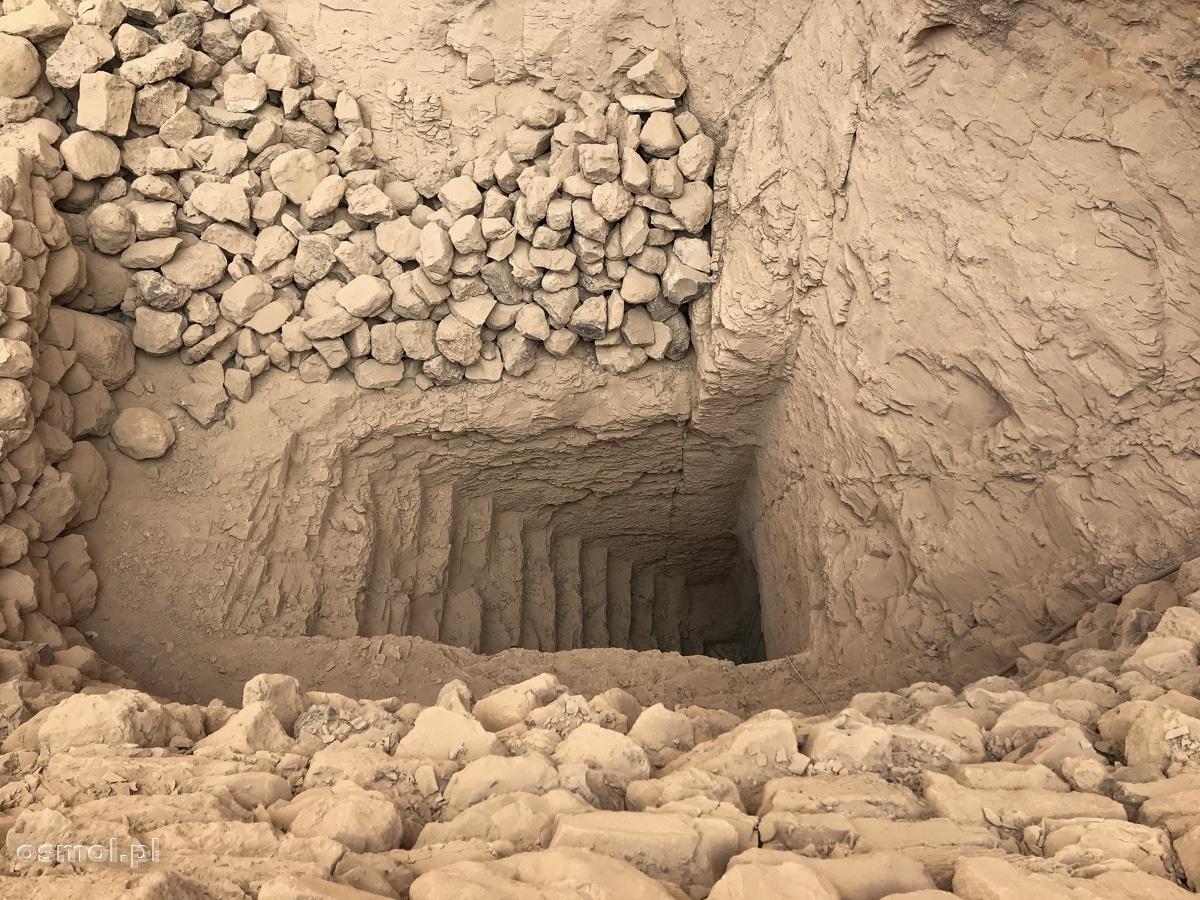 Dolina Królów - odkopane wejście do jednego z grobowców Faraonów