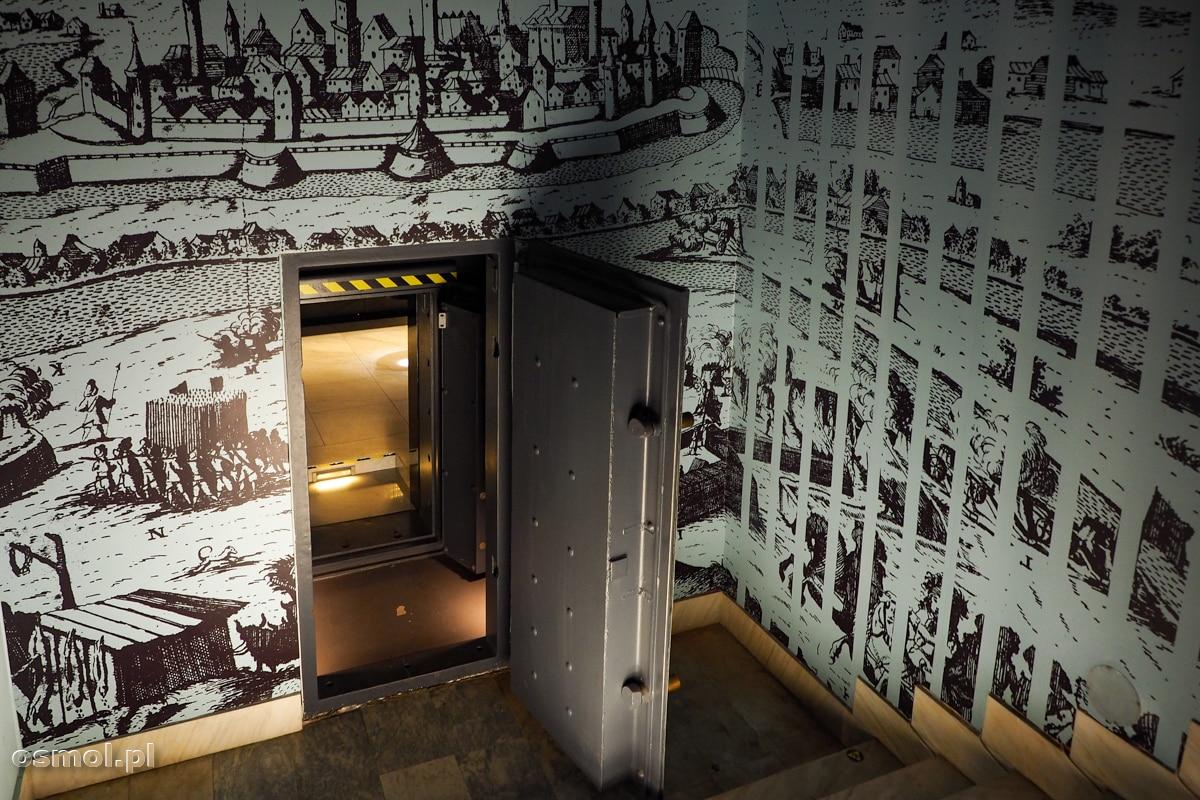 Pancerne drzwi wiodące do złotego skarbu z Koszyc