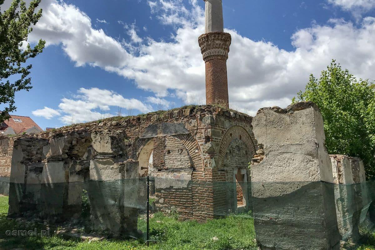 Spalony meczet w Prilepie w Macedonii