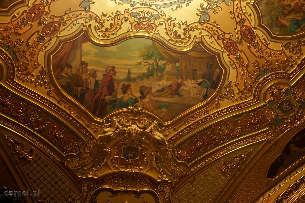 Motywy na suficie w teatrze w Koszycach