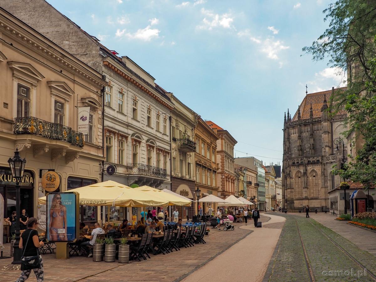 Knajpki na ulicy Głównej (Hlavnej) w Koszycach