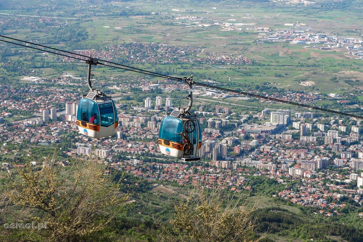 Skopje. Wagoniki kolejki linowej na górę Vodno