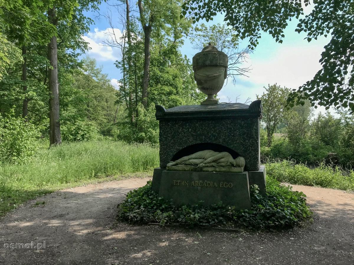 """""""Et in Arcadia Ego"""" - symboliczny nagrobek Heleny Radziwiłłowny w parku Arkadia"""