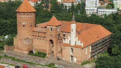 Zamek w Reszlu. Widok z wieży kościoła