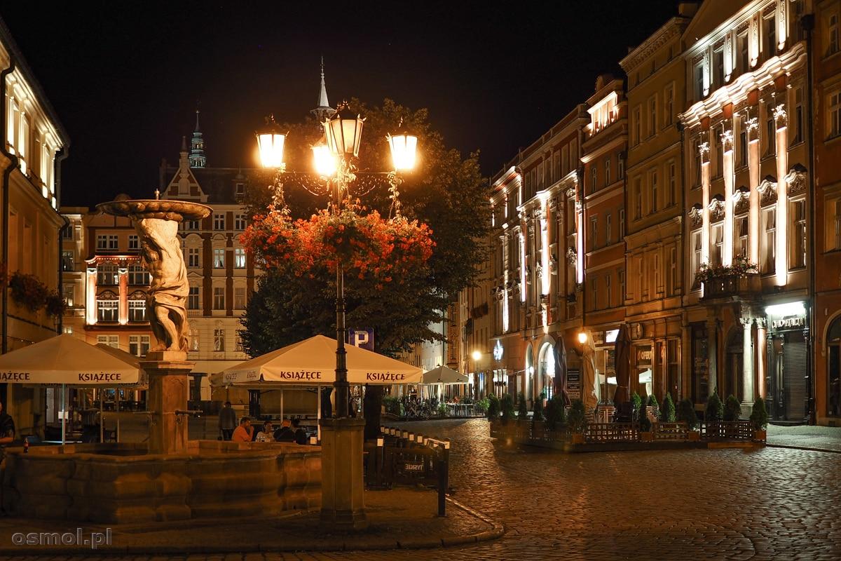 Fontanna z Atlasem na Rynku w Świdnicy