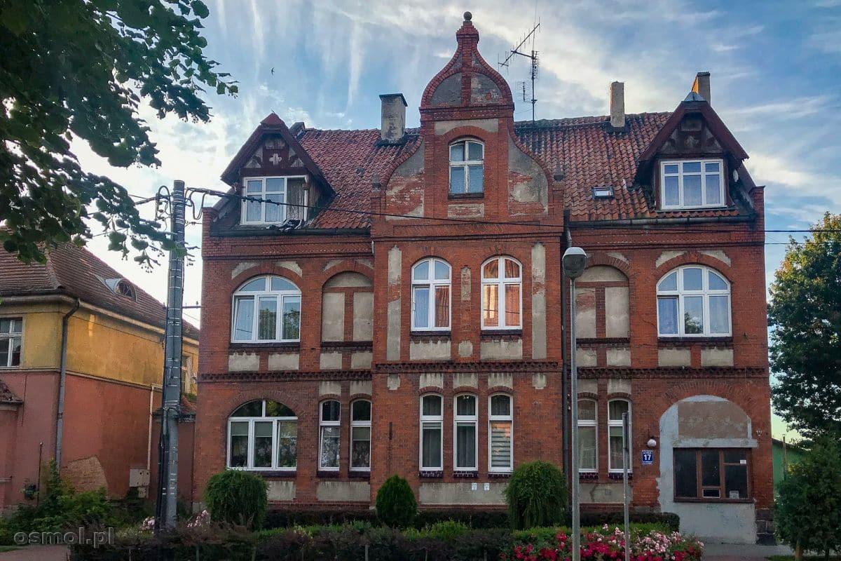 Ceglany, stary, piękny dom w Ornecie