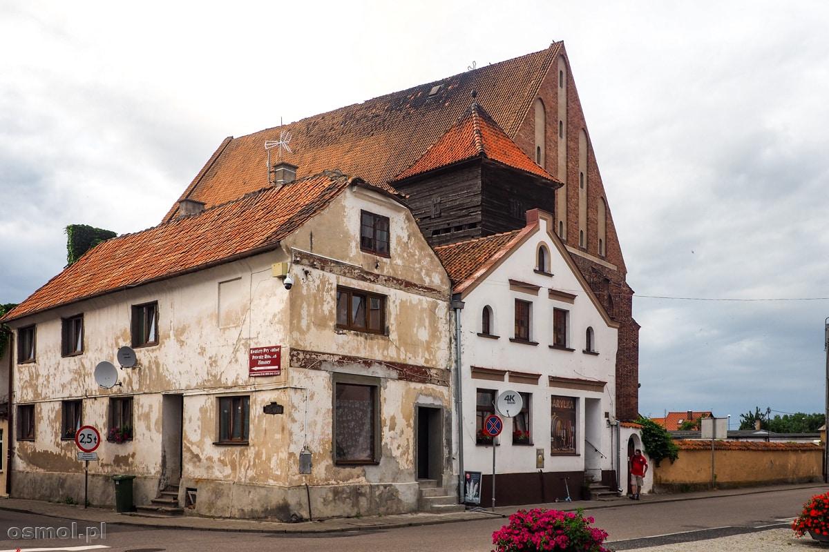 Stare domy przy Starym Rynku. Ech serce się kroi, że nie są wyremontowane.