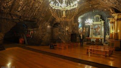 Kaplica św. Kingi w Kopalni soli w Bochni nie jest może ogromna, ale ma swój urok