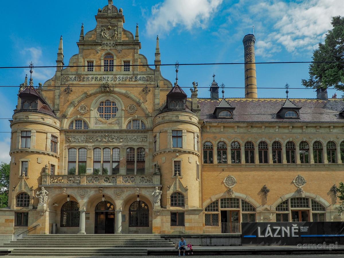 Budynek dawnej łaźni miejskiej dziś jest miejską galerią sztuki w Libercu