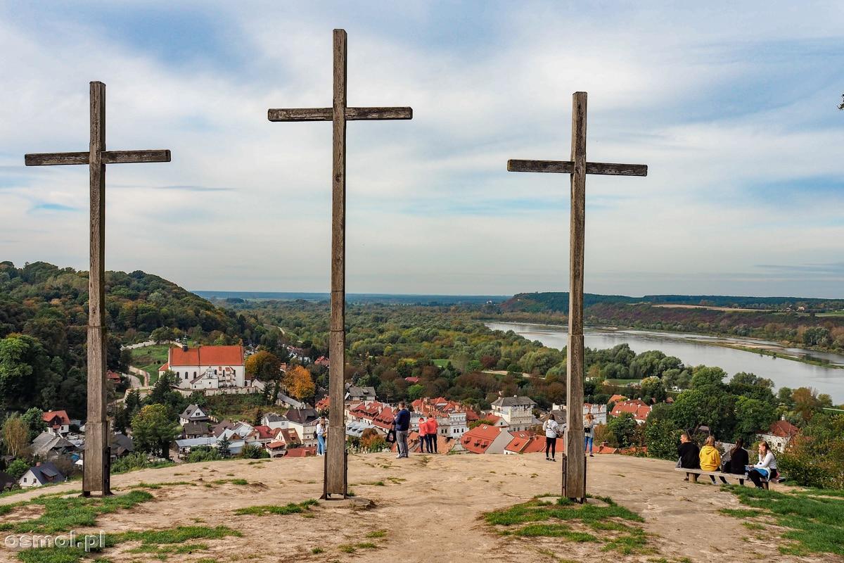 Krzyże na Górze Trzech Krzyży w Kazimierzu Dolnym