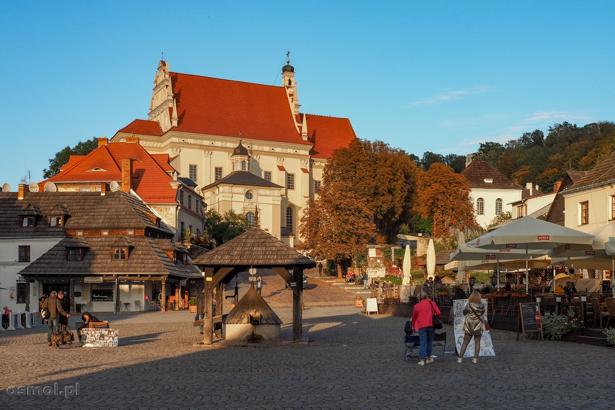 Studnia i fara na Rynku w Kazimierzu Dolnym
