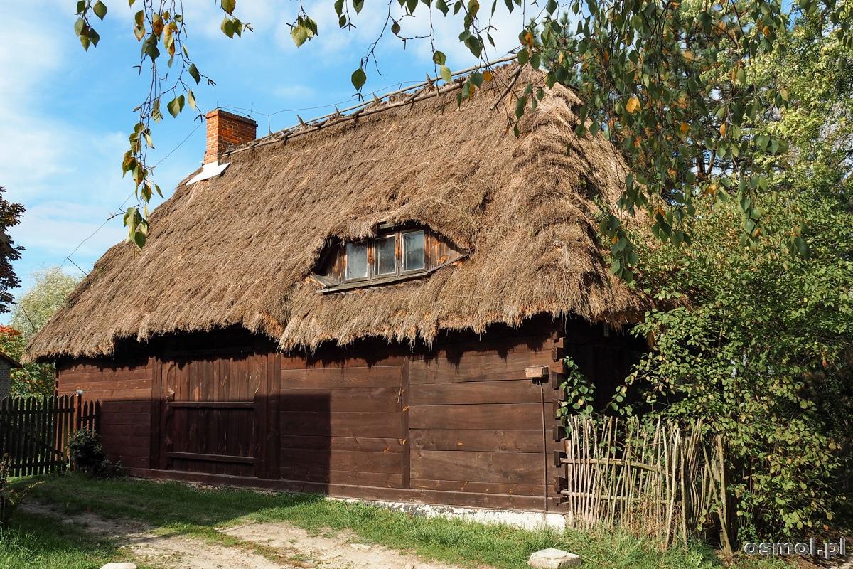 Stodoła w Mięćmierzu. Jak widać deczko przerobiona z powodu okna w dachu