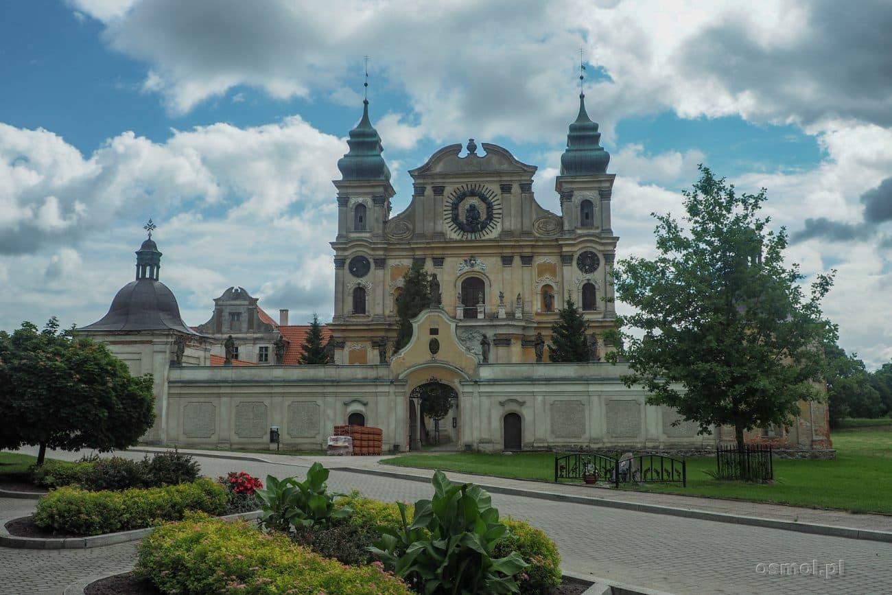 Front sanktuarium w Krośnie na Warmii