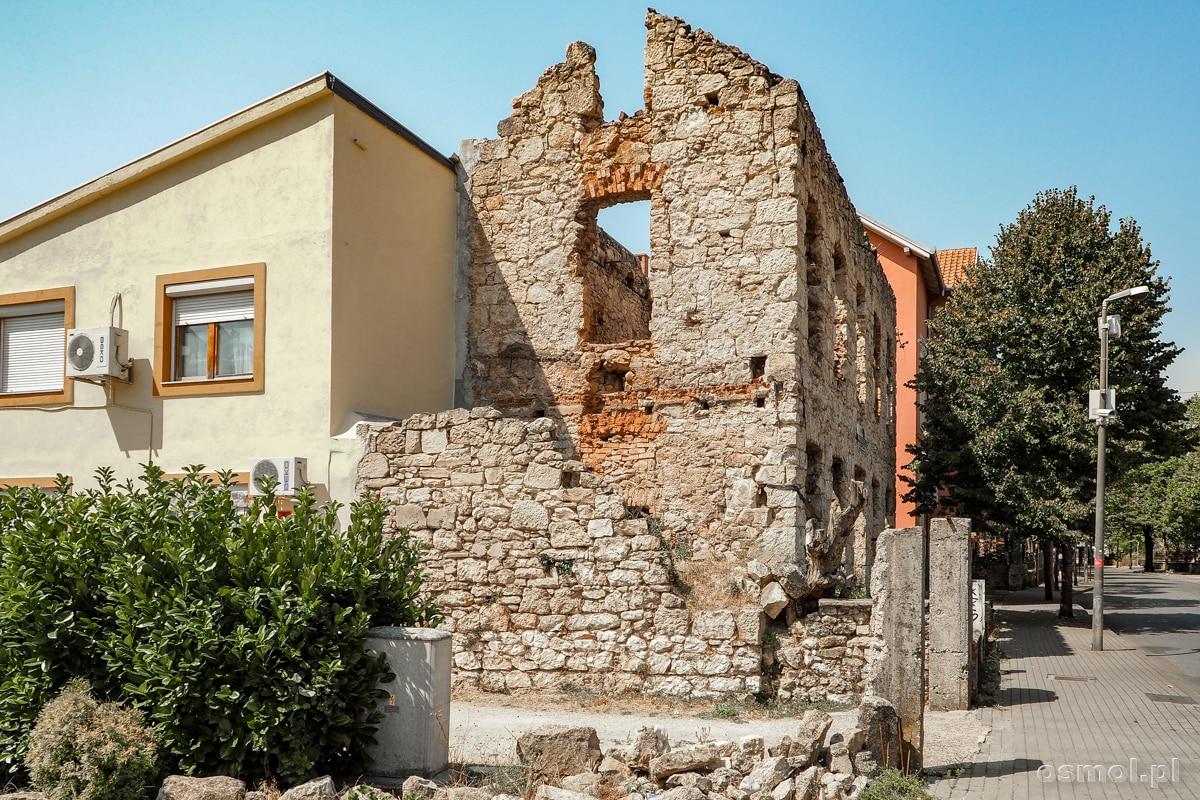 Spalony dom w Mostarze