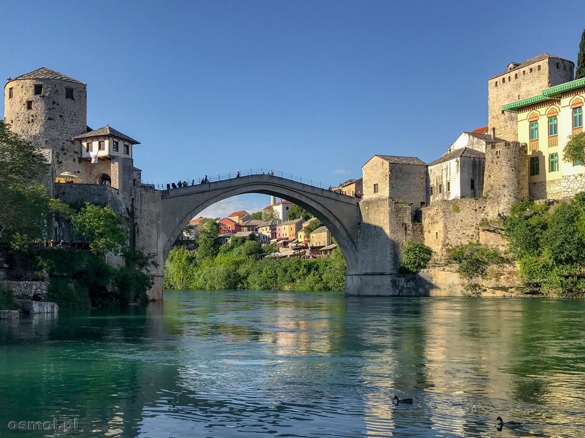 Stary Most w Mostarze - Bośnia i Hercegowina. Niegdyś zburzony strzałami z czołgów, dziś znów cieszy oczy mieszkańców Mostaru i turystów