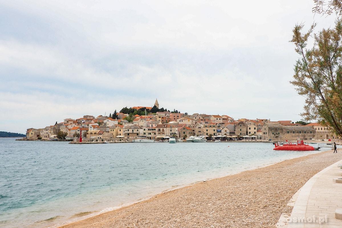 Plaża Luka i widok na Primosten