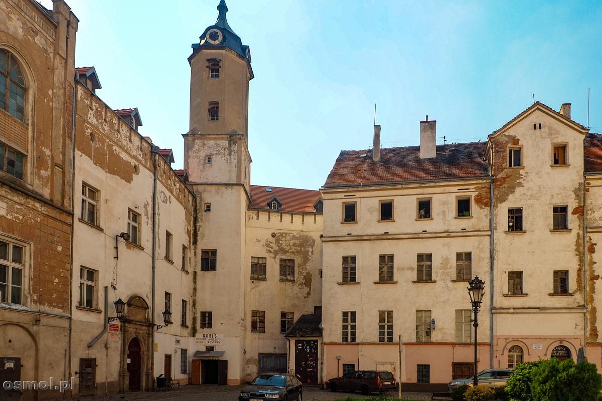 Zamek w Jaworze sprawia wrażenie nędzy i rozpaczy. Wołając o pilny remont