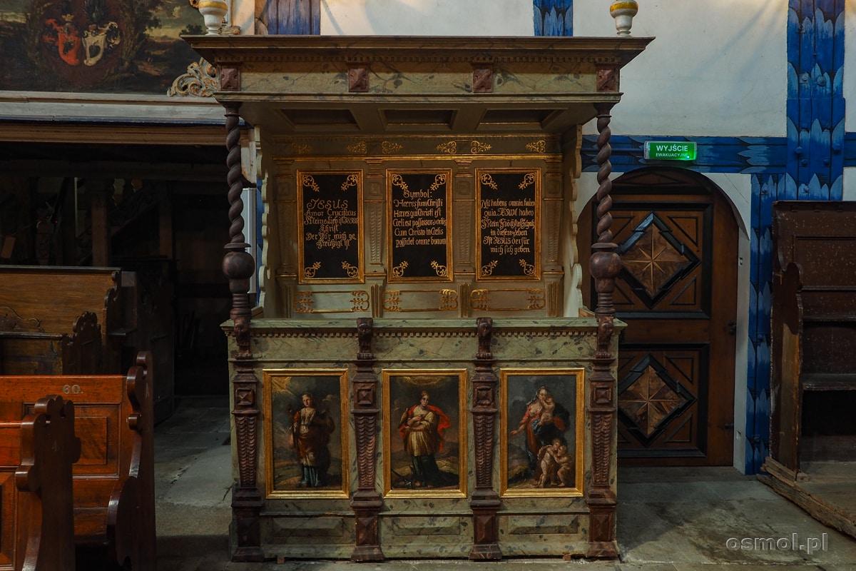 Ozdobne ławy Kościoła Pokoju w Jaworze