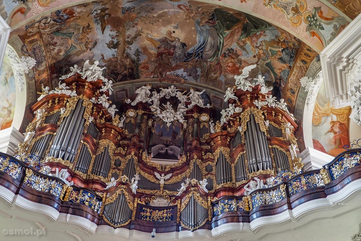 Prospekt organowy w bazylice w Krzeszowie
