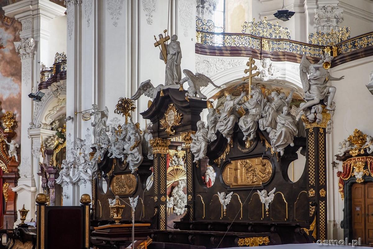 Stalle bazyliki w Krzeszowie