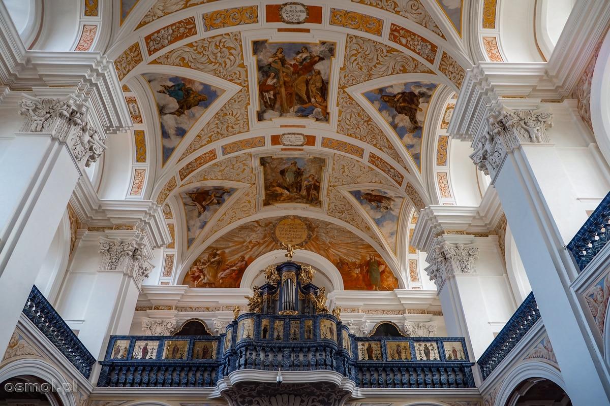 Freski i prospekt organowy w kościele św. Józefa. Krzeszów