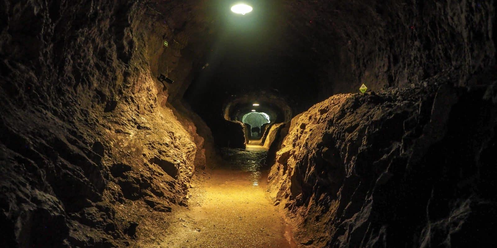 Osówka. Jeden z tuneli, które wydrążyli więźniowie budujący kompleks