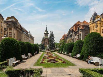 Timisoara. Plac Zwycięstwa i katedra prawosławna