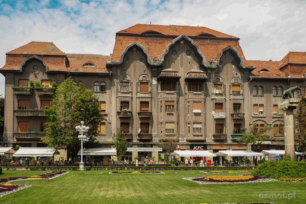 Pałac Dauerbach czyli ponury budynek przy jednym z głównych placów w Timisoarze