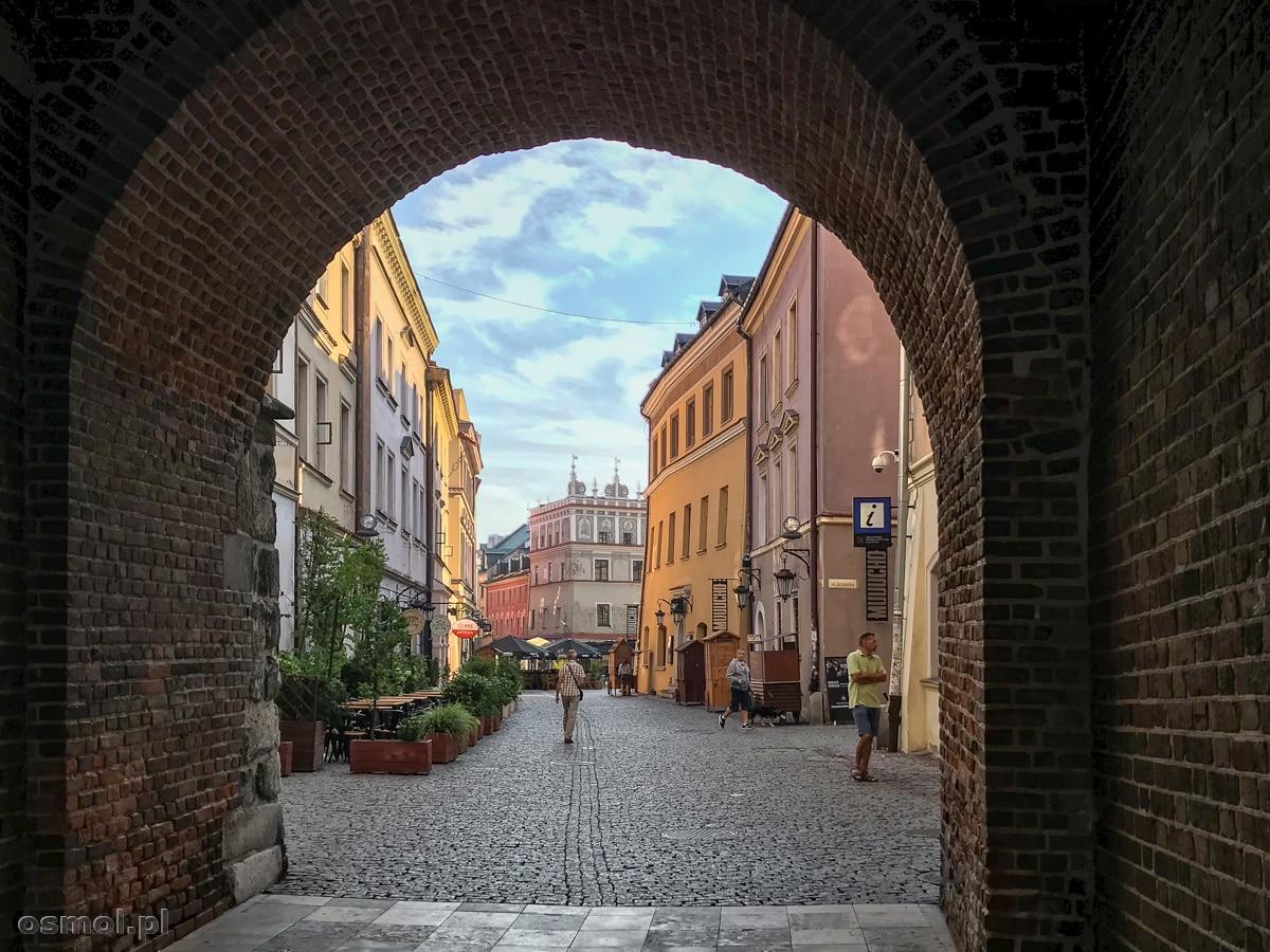 Widok z Bramy Krakowskiej na Stare Miasto