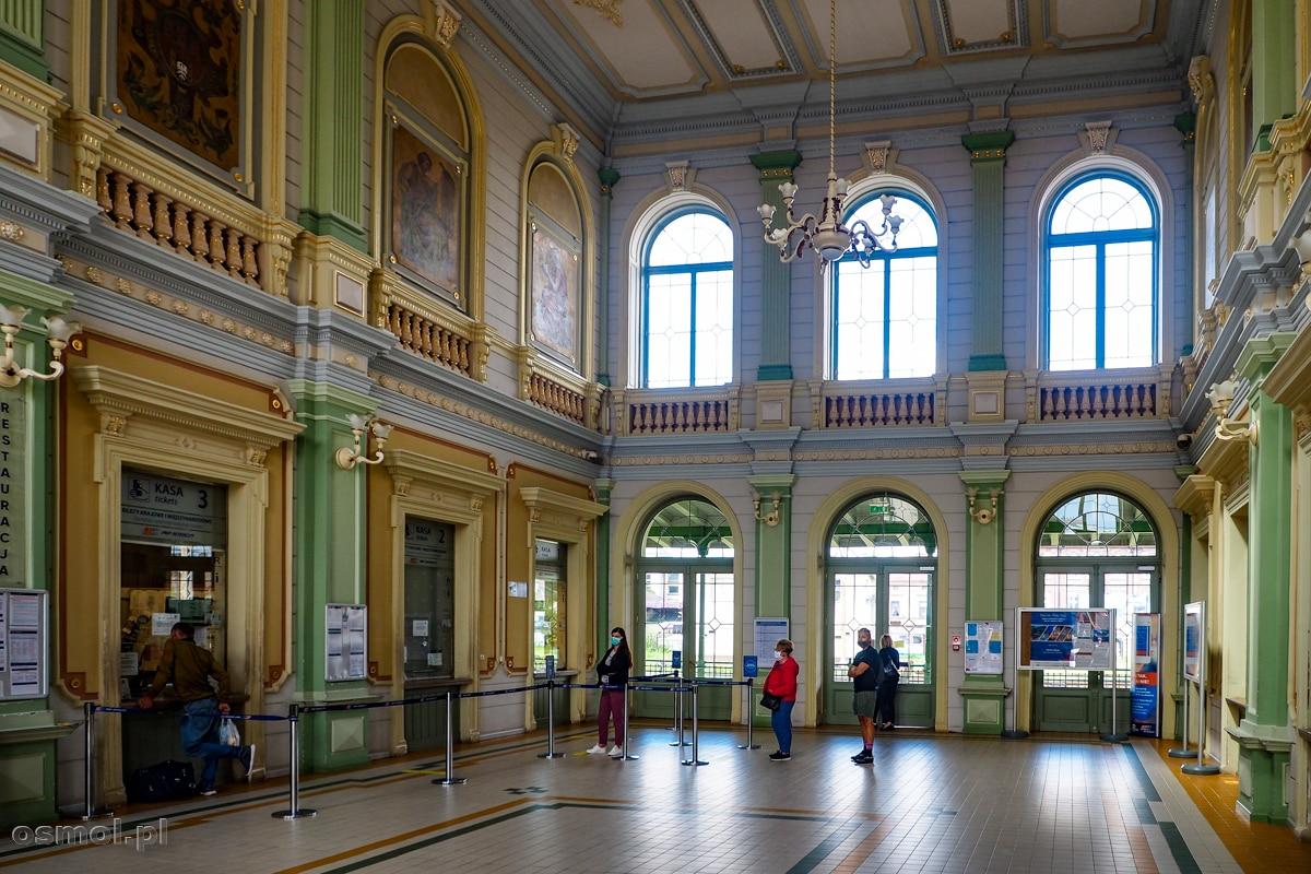 Wnętrze dworca PKP w Przemyślu