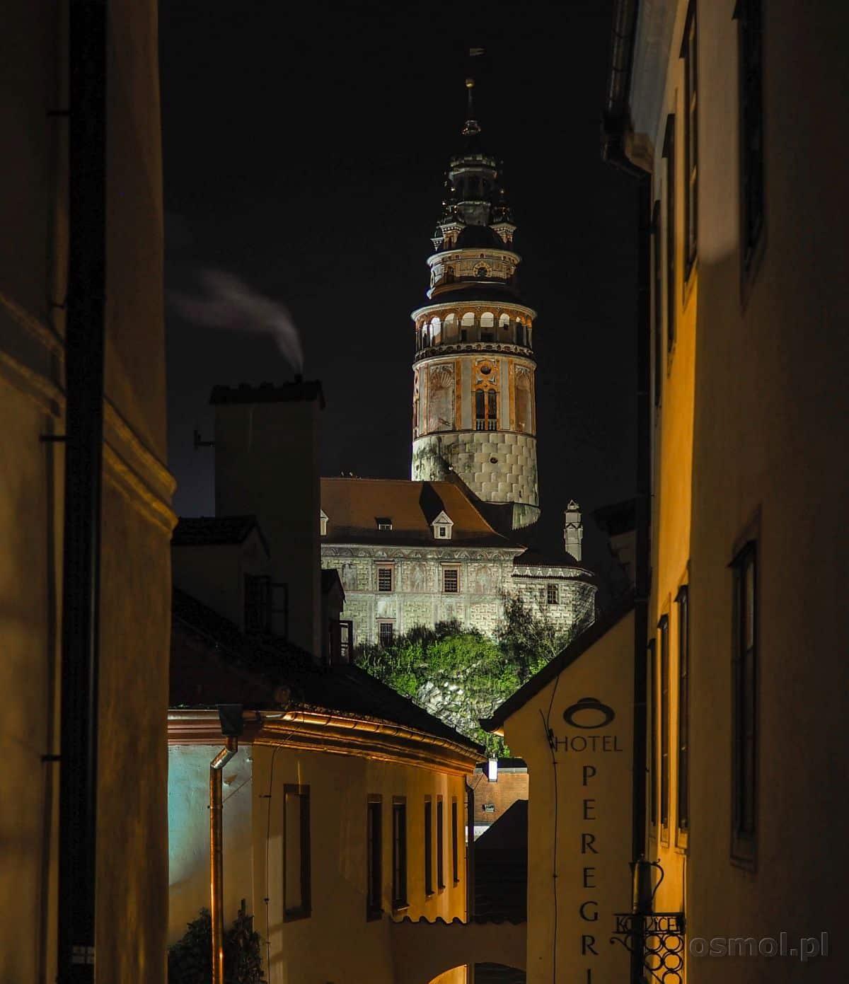 Czeski Krumlov - wieża zamkowa w nocy