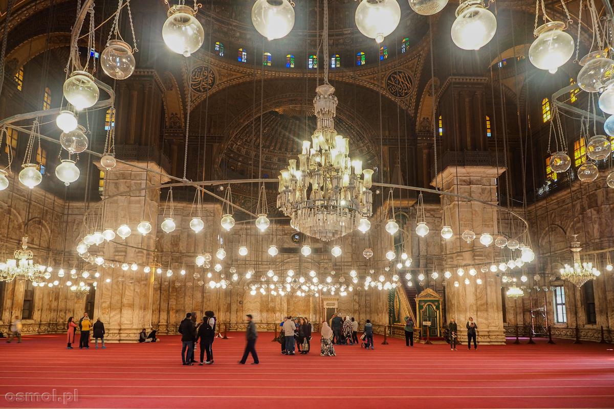 Meczet Muhammada Alego w Kairze robi większe wrażenie niż z zewnątrz