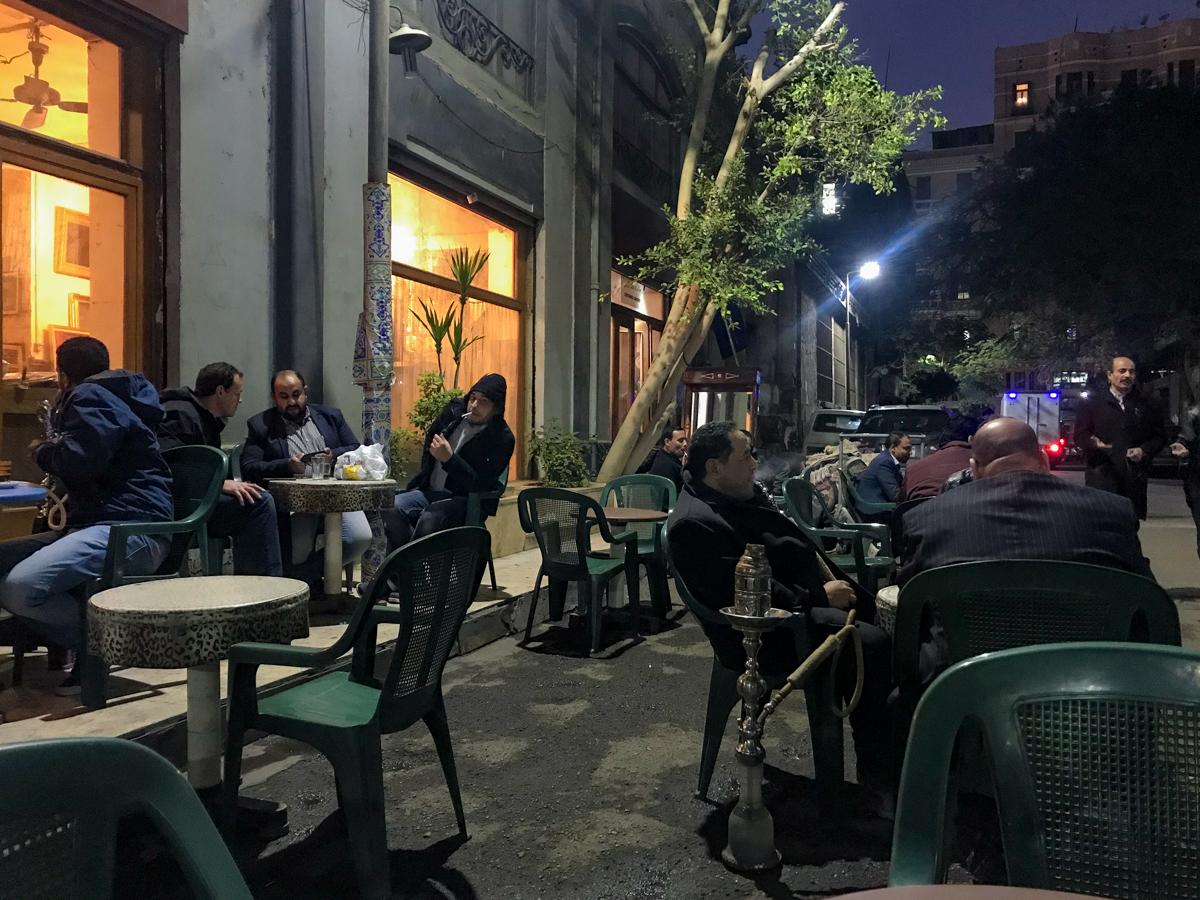 Kawiarnia i herbaciarnia na ulicach Kairu