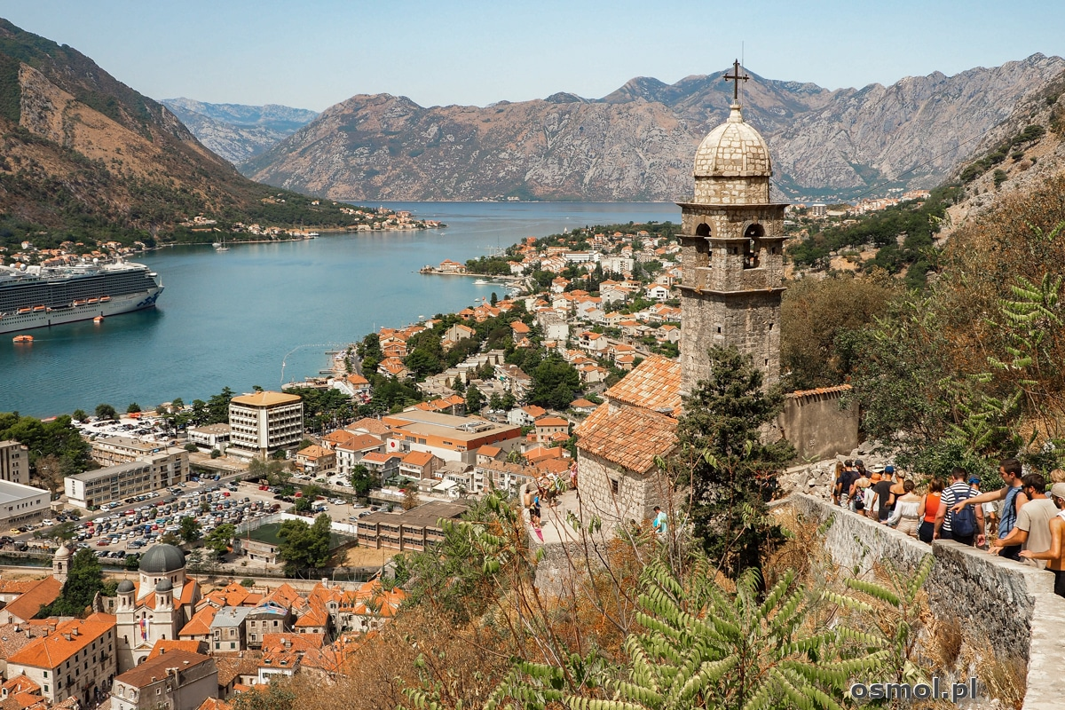 Widok na Kotor i Zatokę Kotorską