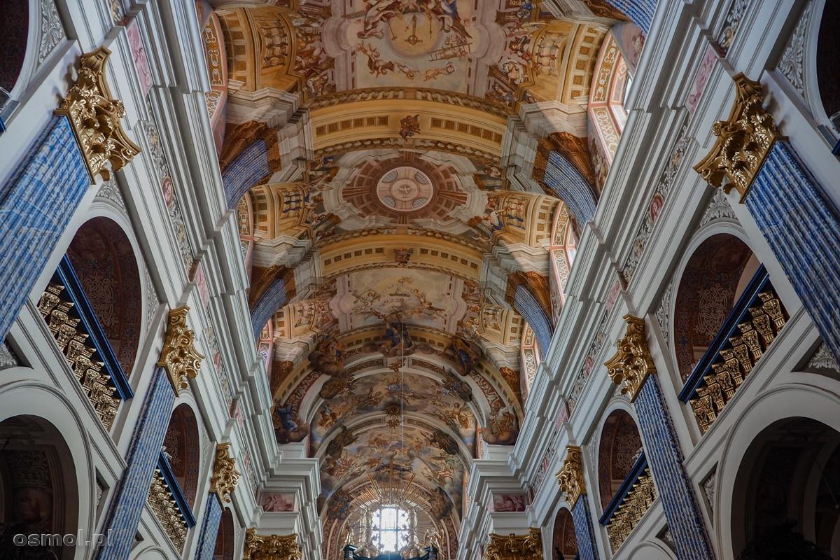 Zdobienia na sklepieniu bazyliki w Świętej Lipce. Czysty barok