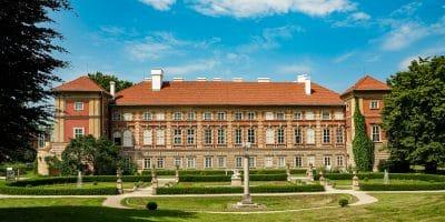Zamek w Łańcucie. Widok od strony parku
