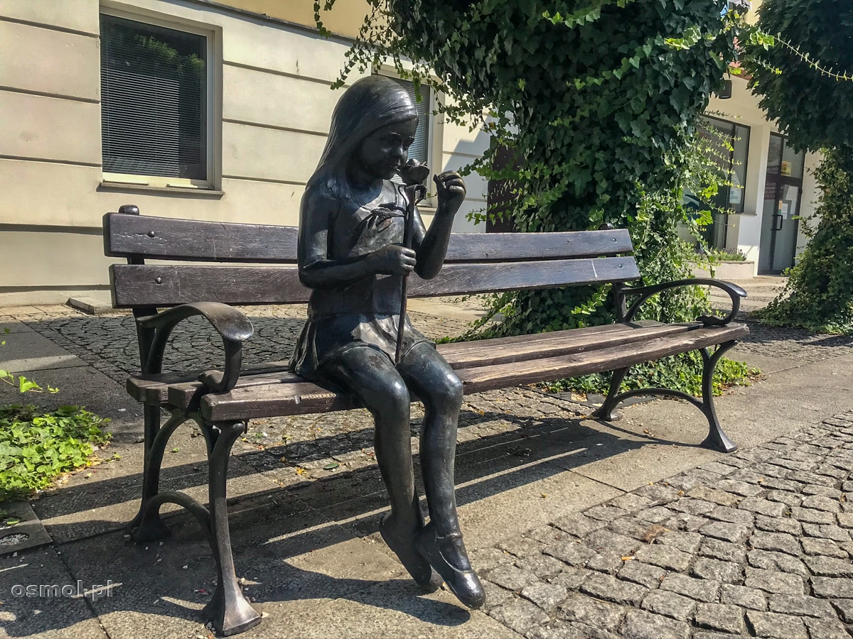 Dziewczyna z Różą - symbolem Oleśnicy
