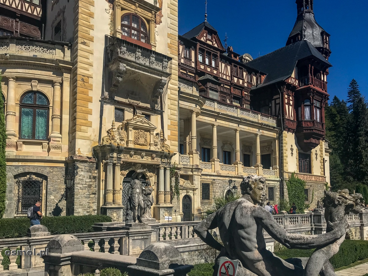 Rzeźby i zdobienia na zamku Peles