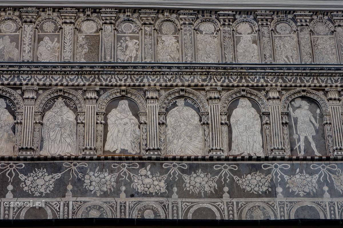 Sgraffito przedstawiające władców Polski z zamkowych murów