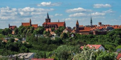 Widok na południową część murów i starą część Chełmna