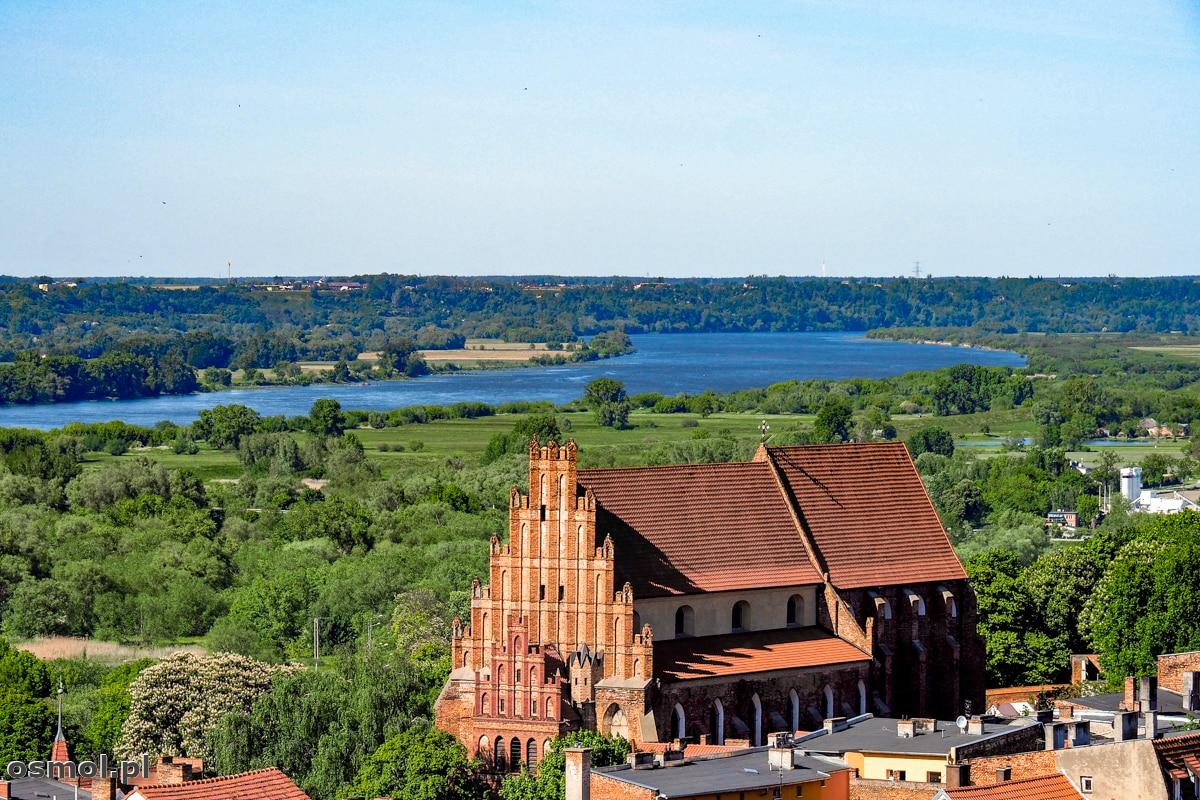 Wisła przepływająca obok Chełmna. W średniowieczu płynęła tuż obok miasta