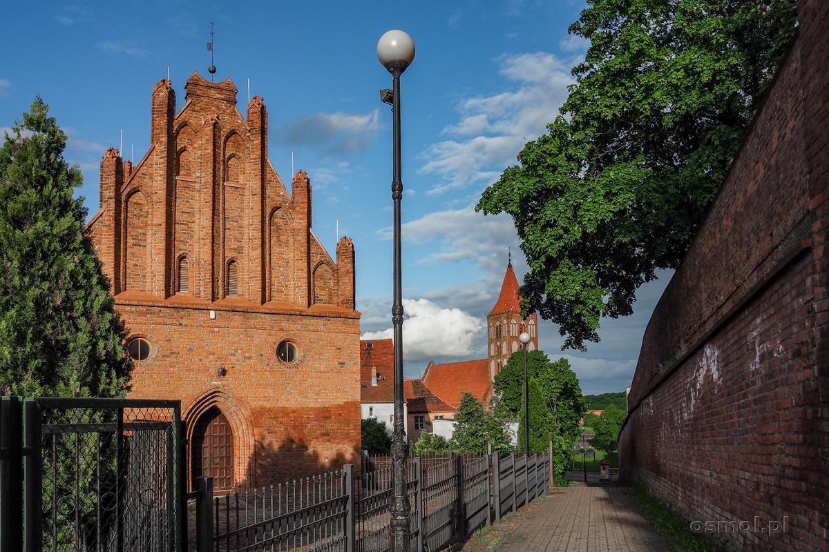 Mury obronne i kościół pw. św. Marcina