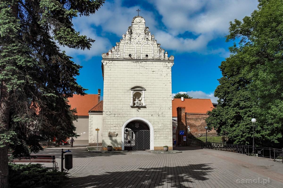 Brama Grudziądzka, Jedna z dwóch zachowanych do dziś starych bram miejskich