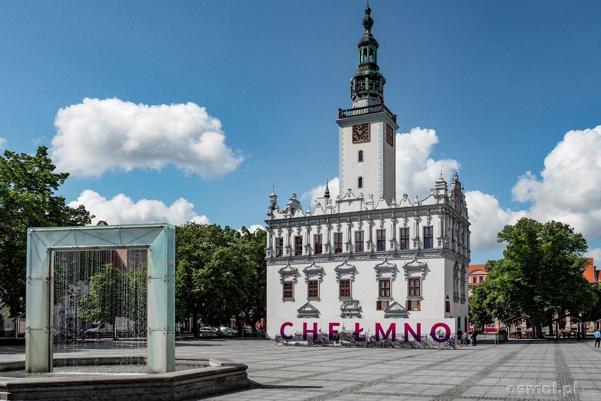 Rynek i ratusz w Chełmnie