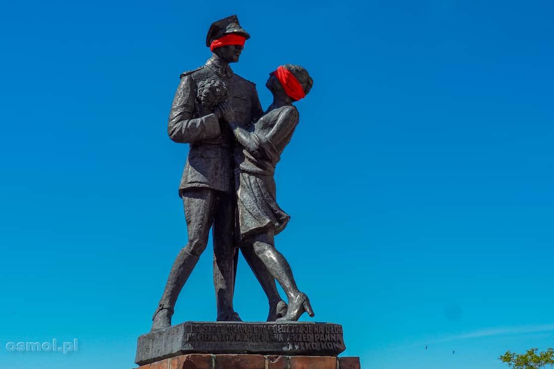 Pomnik ułana z dziewczyną. Chyba najbardziej znany pomnik w Gr
