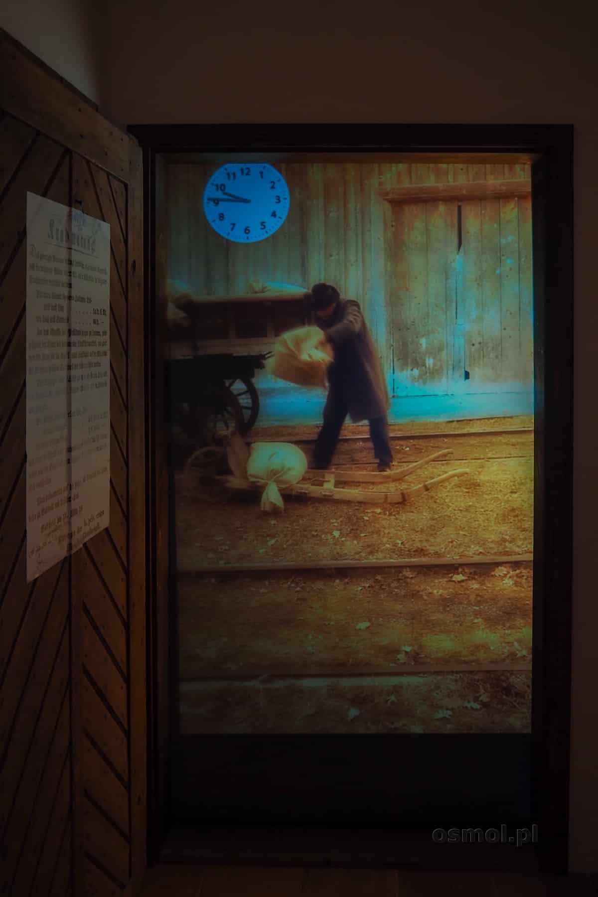 Multimedialna prezentacja pokazująca dzień z życia strażnika opiekującego się odcinkiem torów