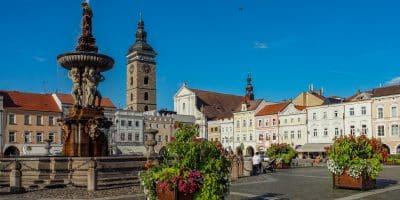 Rynek w Czeskich Budziejowicach i fontanna Samsona