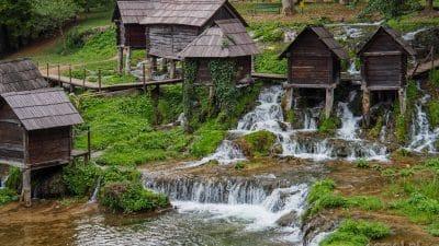 Młyny wodne na jeziorze Plivskim